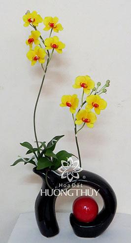 Hoa đất Hương Thủy – Dáng nghệ thuật – cao 57cm – ngang 23cm- sâu 8cm