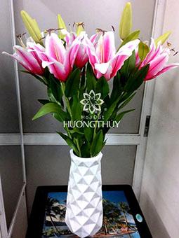 Hoa đất Hương Thủy – Bình hoa Ly hồng