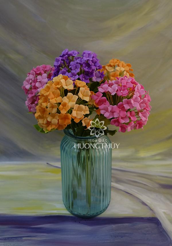 Hoa Tú cầu cắm bình thủy tinh thấp