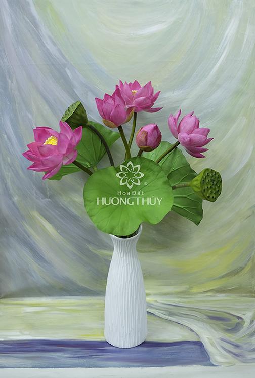 HOA ĐẤT HƯƠNG THỦY – Hoa Sen 3 bông + 1 nụ, 1 bông hé