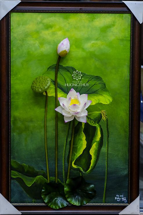 Tranh hoa sen trắng: kích thước từ 50×70 hoặc 50x80cm cả khung